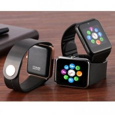 Montre Smart Watch téléphone carte SIM MP3 0.3MP
